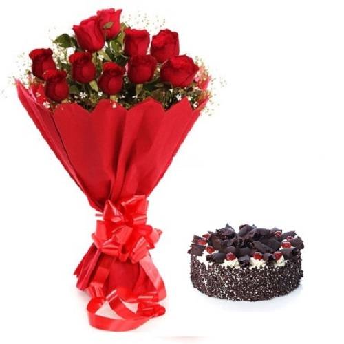 Fresh Flower Bouquet Of 12 Red Roses With Black Forest Cake - LPCO12RRBF (Standard (09:00, 12:00), Regualr with egg, 0.5 Kg)