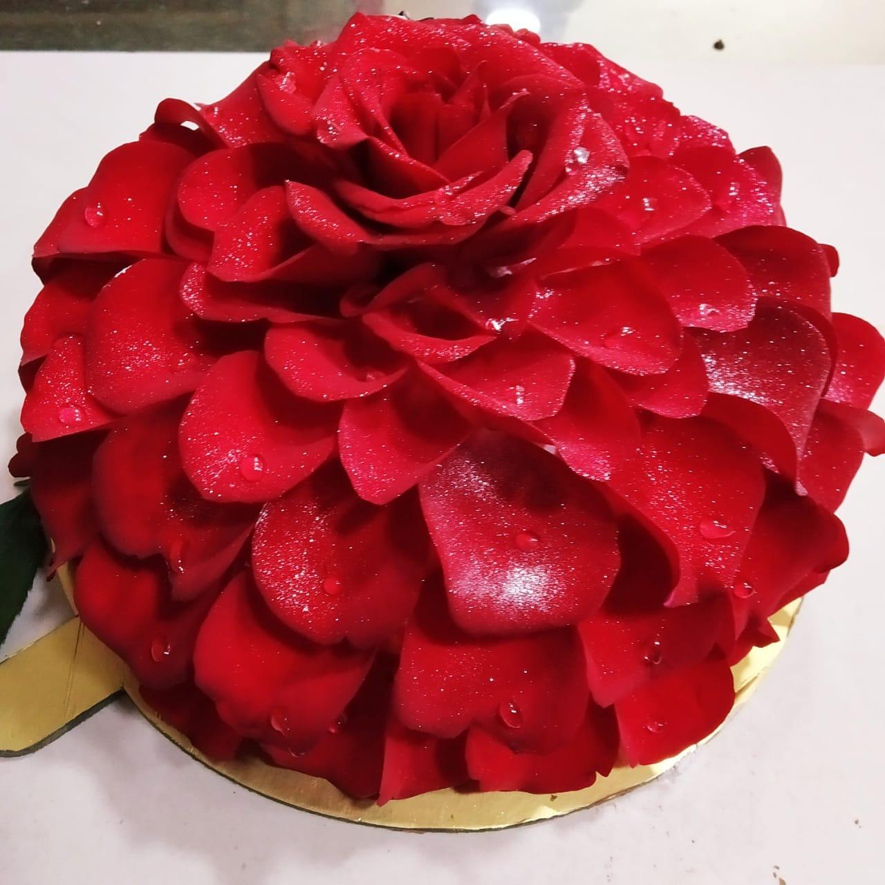 Rose Petal Round Shape Cake (500 Gm,Chocolate)