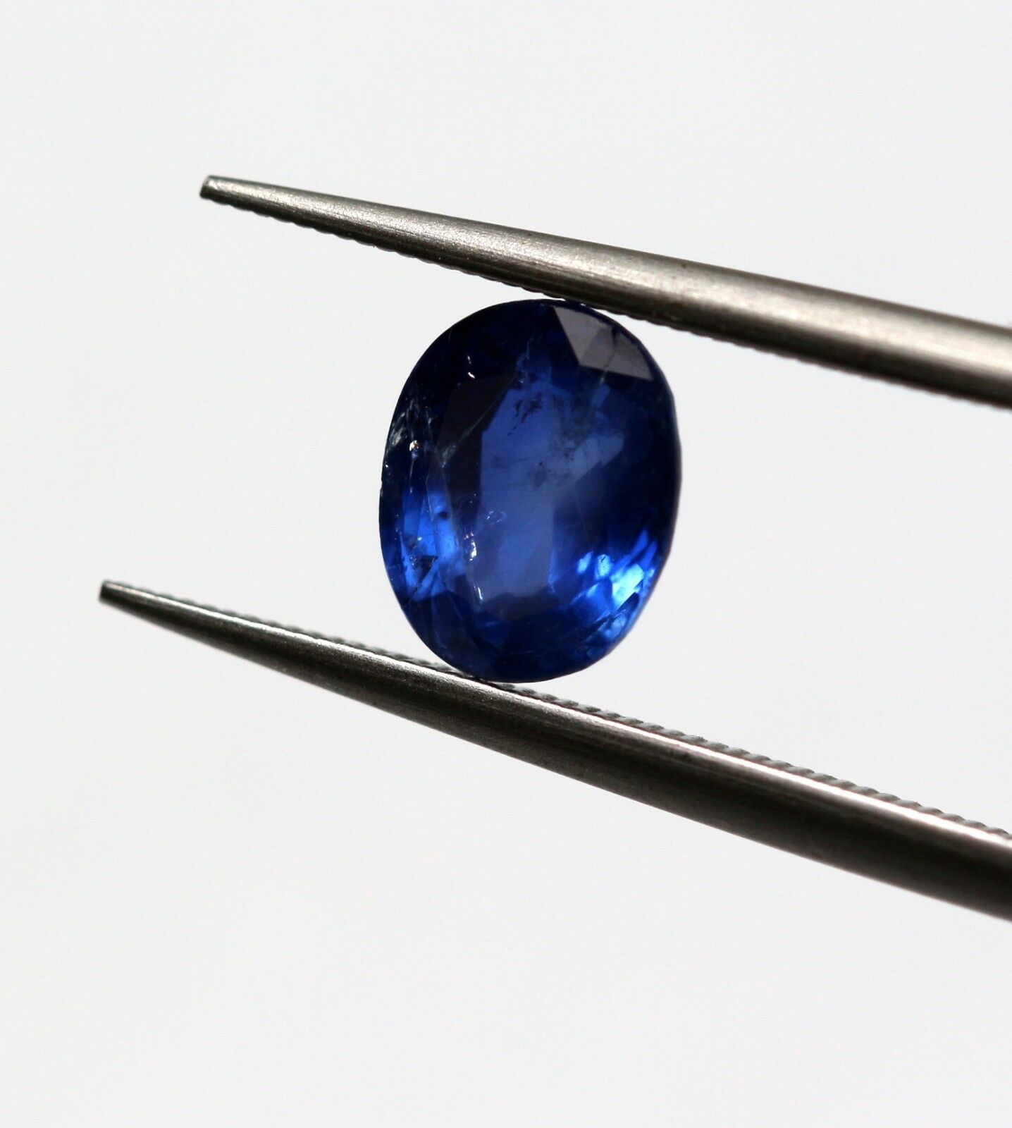 0.96 Ct Blue Sapphire Natural Gemstone Oval Cut Thailand Dark Blue Color Certified