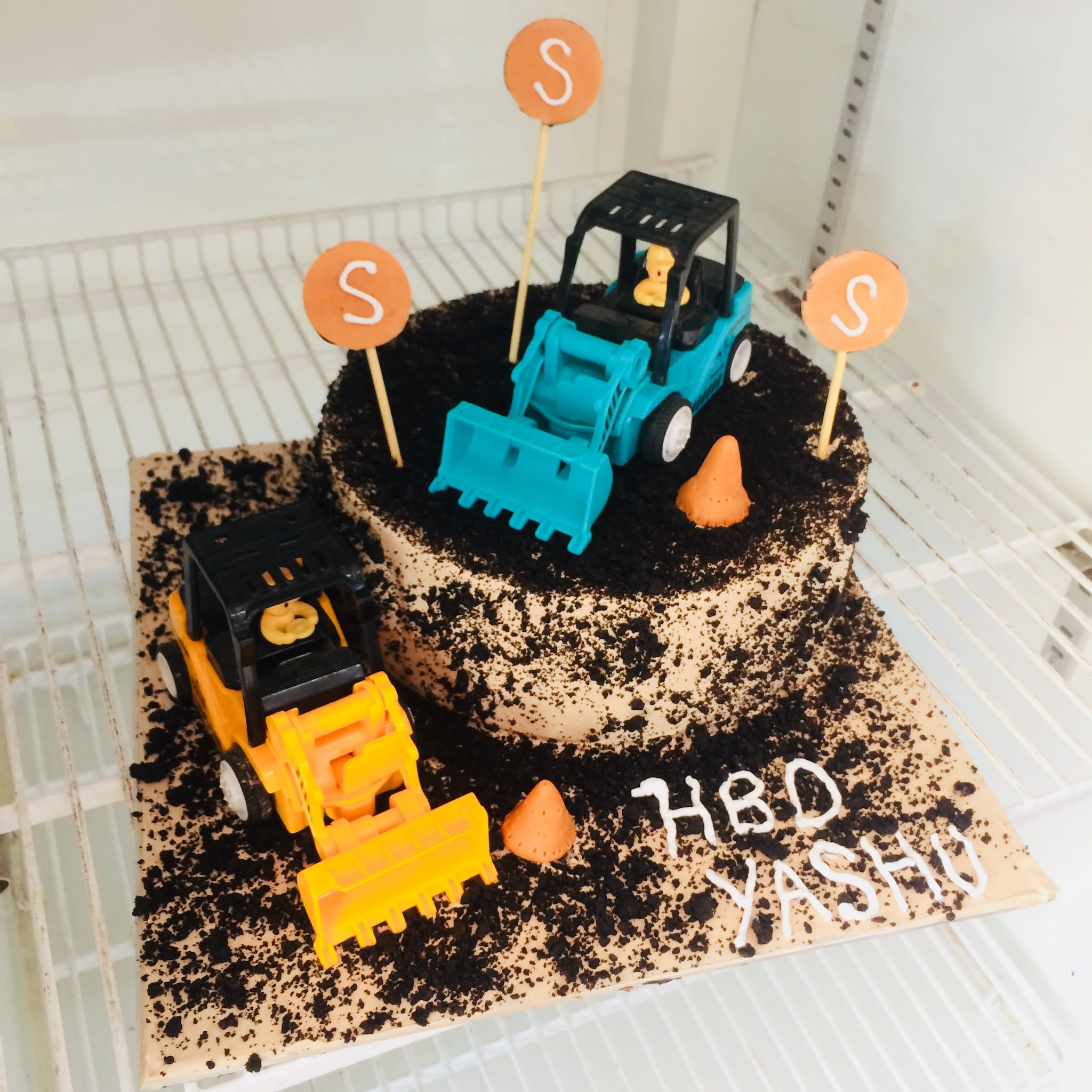 Contractor Cake (1 Kg,Chocolate)
