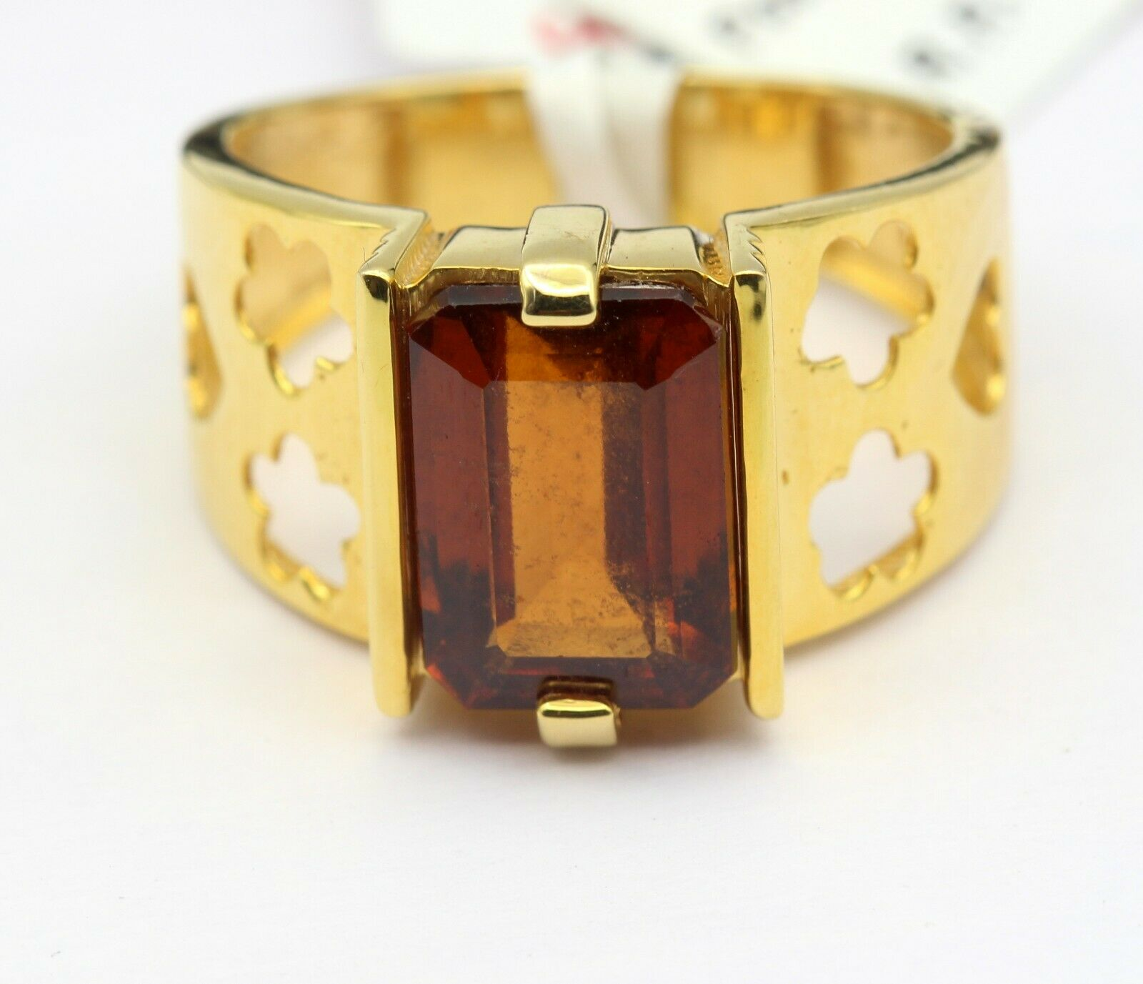 Natural Octagon Hessonite Garnet Studded In Decent 18KT Yellow Gold Ring