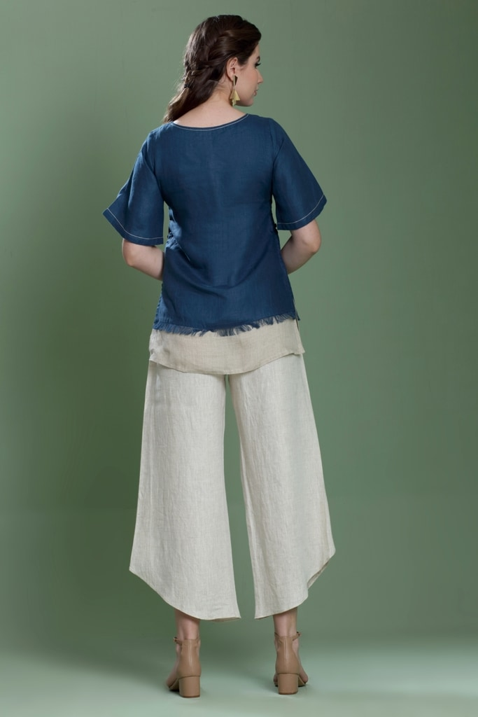 180932 Navy And Natural Top With Fray Detail XS - Navy And Natural (XS,Navy and Natural)