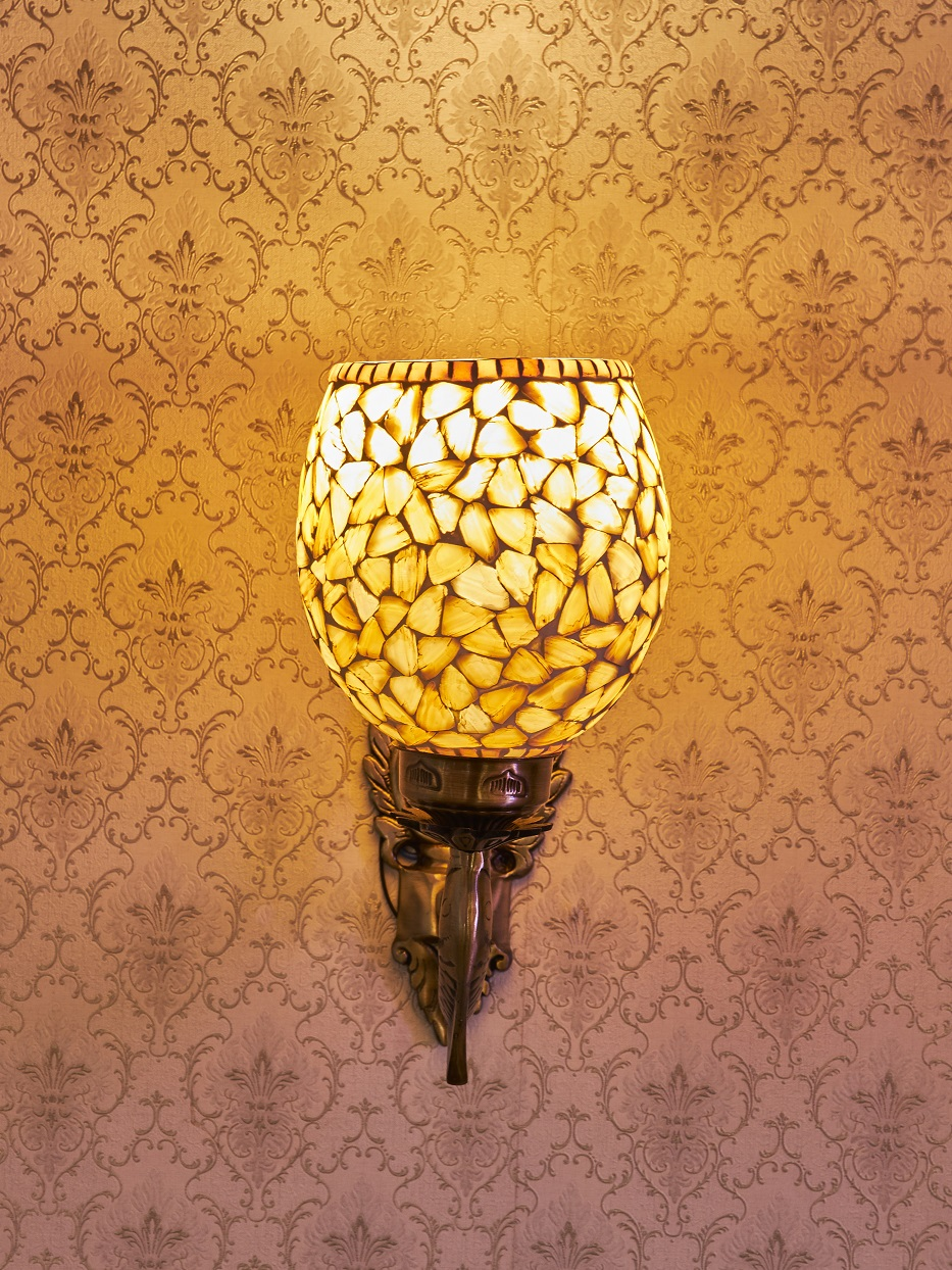 Aura Handcrafted Wall Lamp Shell Single Head