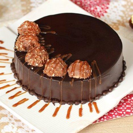 Round Shaped Ferrero Rocher Cake (4 KG)