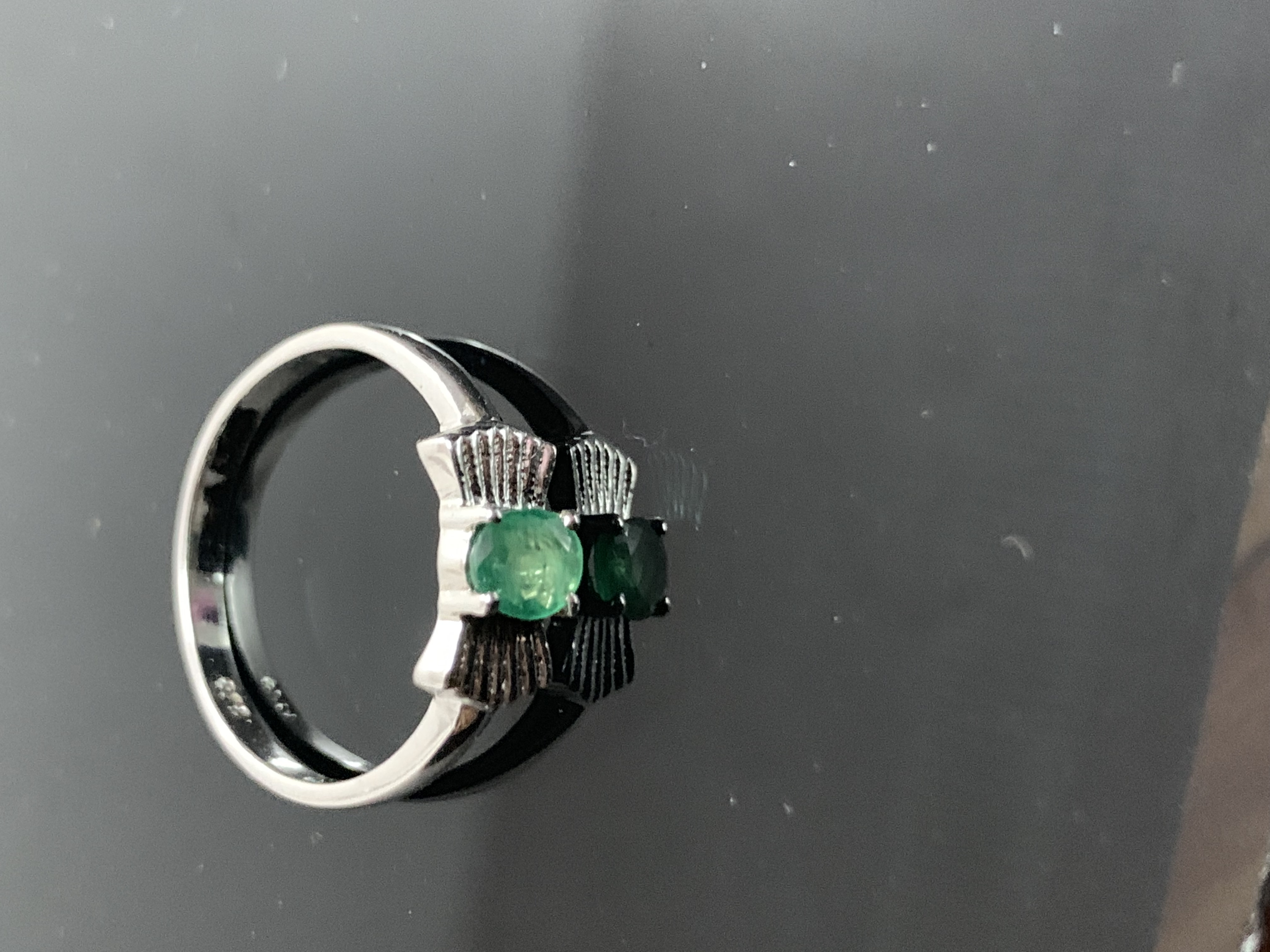 Beautiful Emerald Sterling Silver 925 Ring