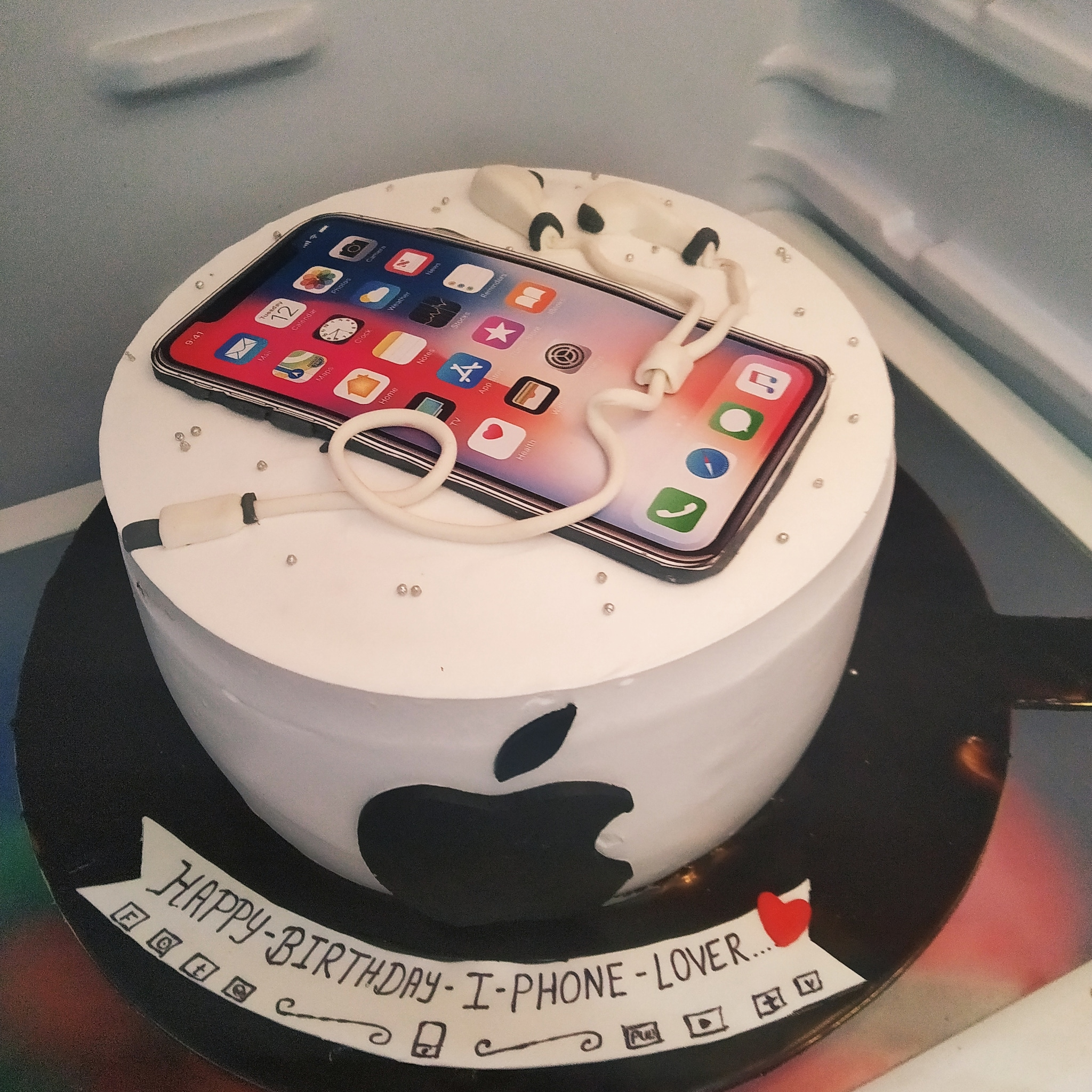 IPhone Lover Cake (1 Kg,Chocolate)