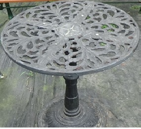 Garden Iron Round Table