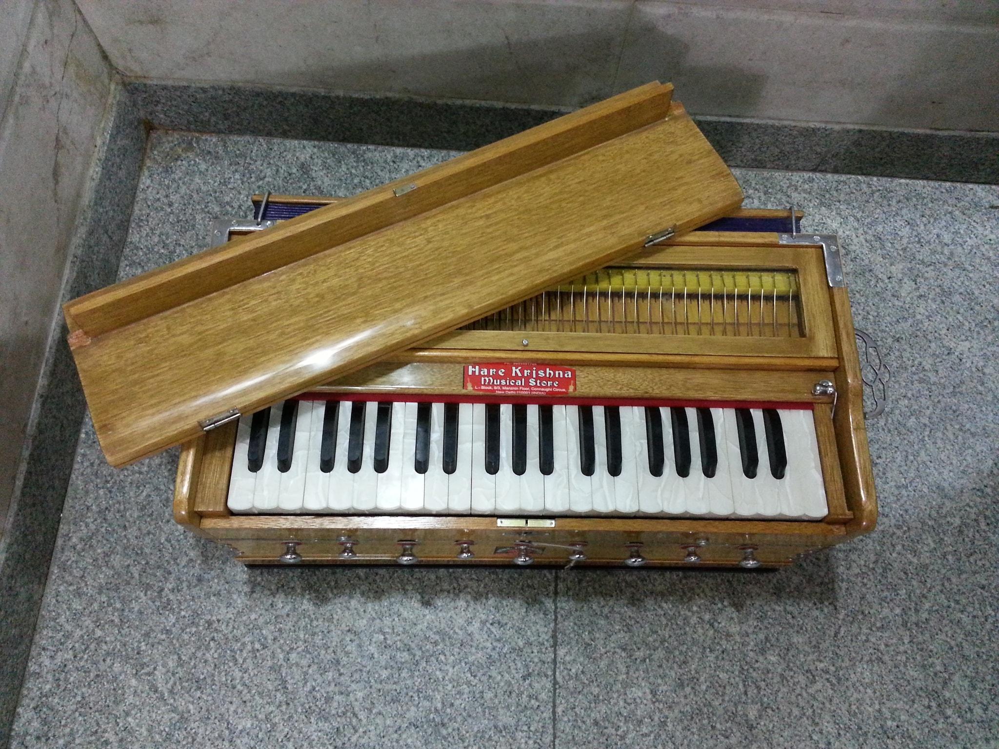 HKM NO.9 Harmonium