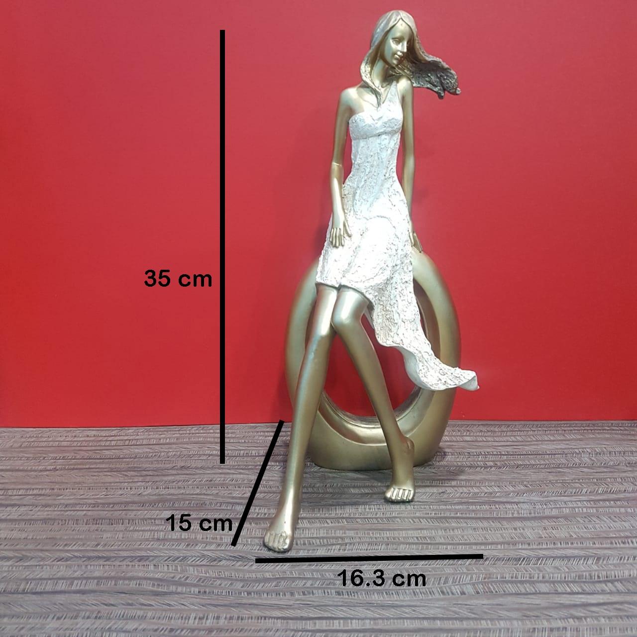 Lady Statue 01