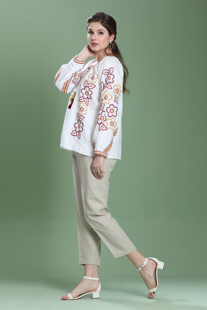 180985 Bleach Linen Bavarian Style Embroidered Top (L)