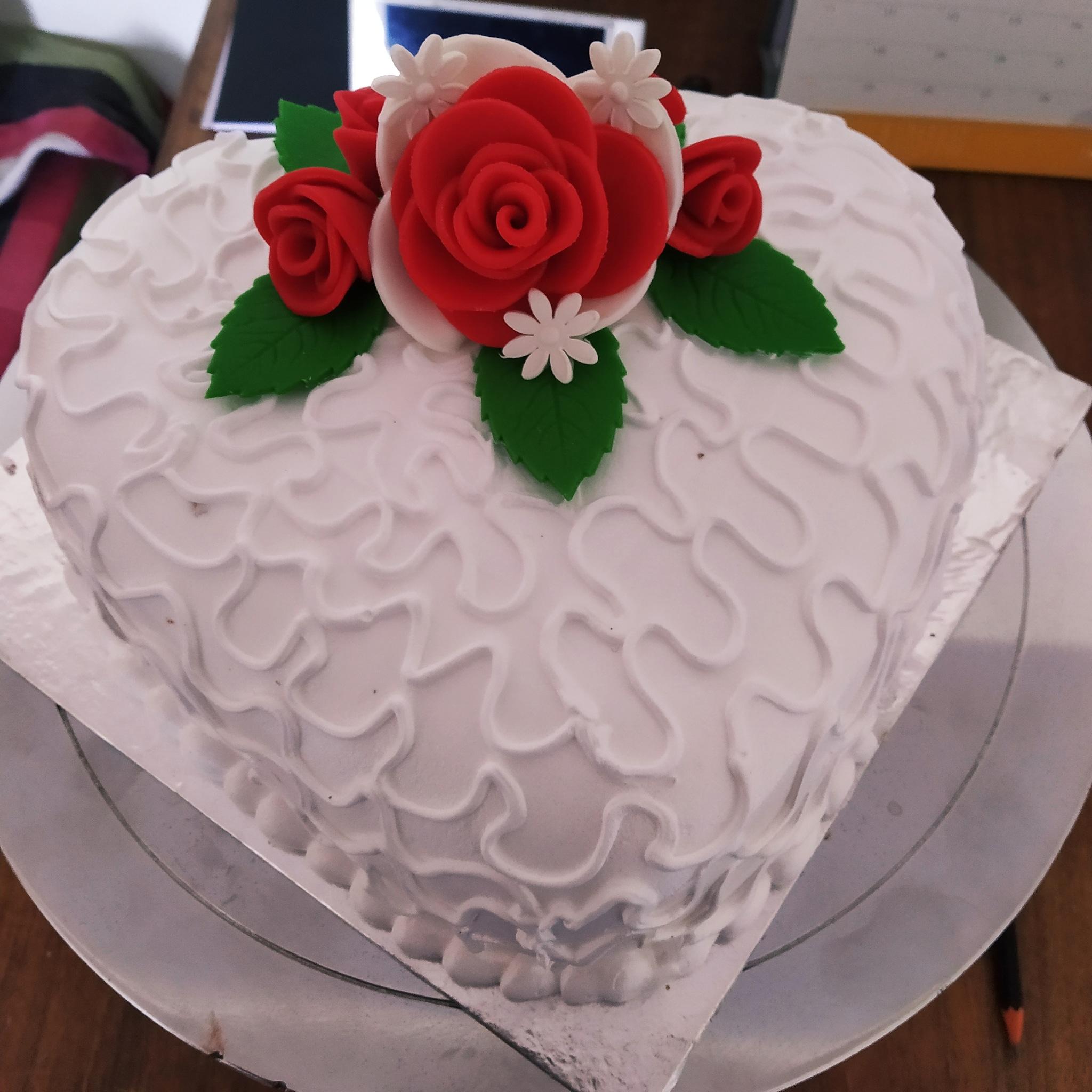 Rose Heart Cake (1 Kg,Chocolate)