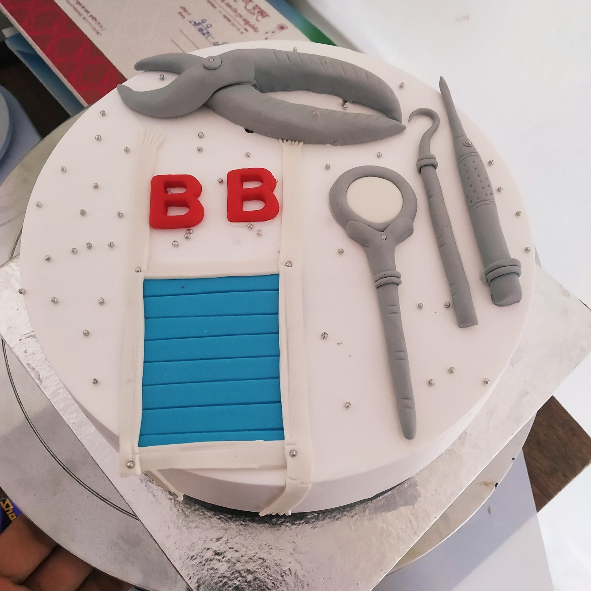 Dentist Cake (1 Kg,Chocolate)