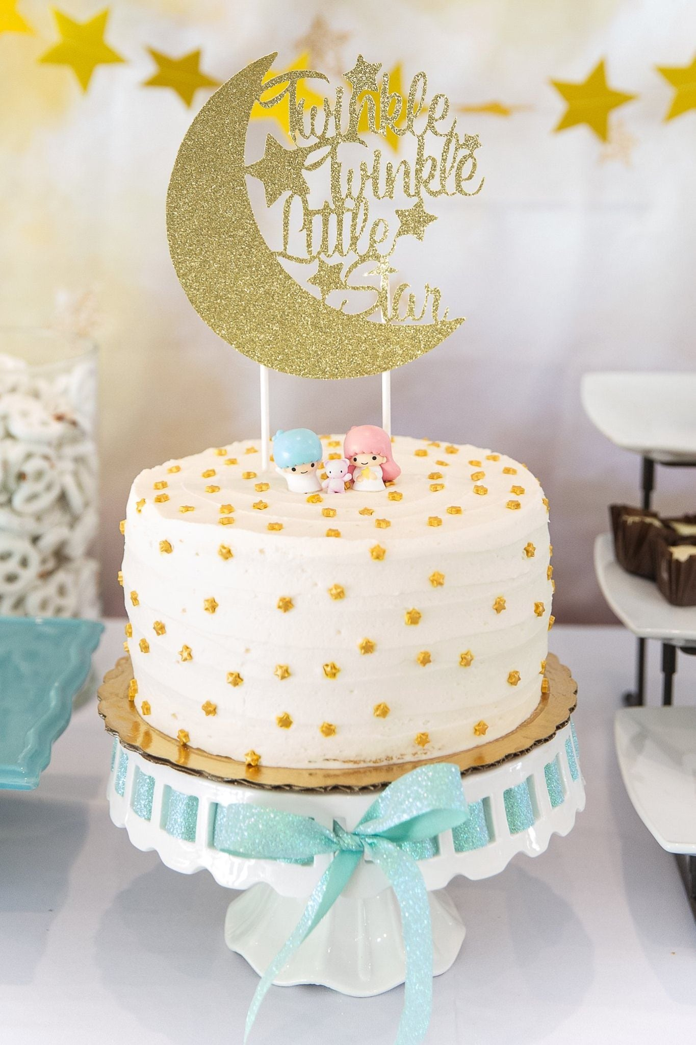 Marvino Edibles For  Cake And Pastries Decoration ( Gold Coloured Stars)