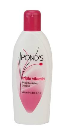 Pond's Triple Vitamin Moisturizing Lotion - 100 Ml