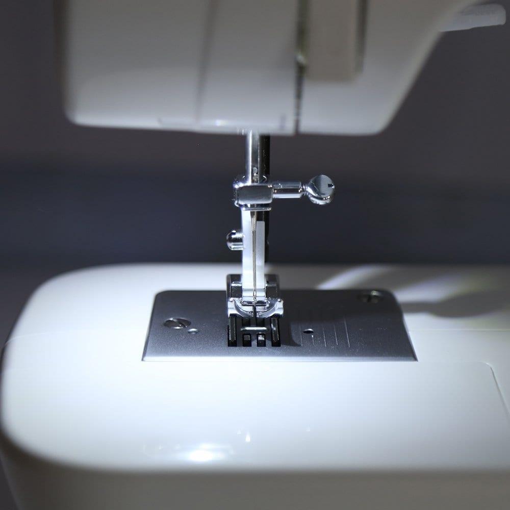 Singer Electronic Sewing Machine Brilliance [6180]