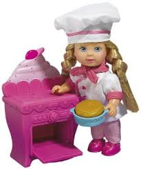 Simba Toy Doll Evi Baking Cake