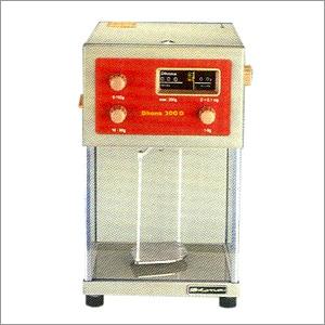 Dhona Laboratory Balance [200 D]