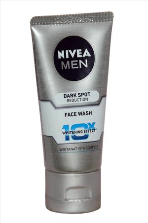 Nivea Dark Spot Reduction Face Wash - 50 Ml